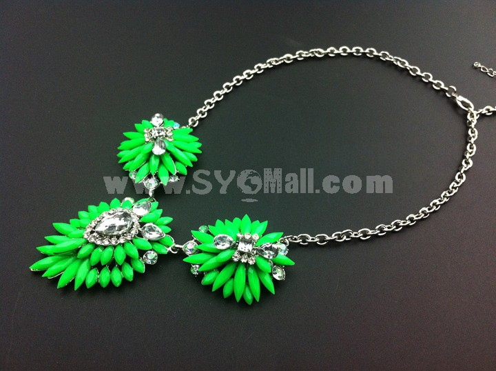 Stylish Exaggerate Luxurious Shiny Color Alloy with Resin/Rhinestone Women Necklace Choker
