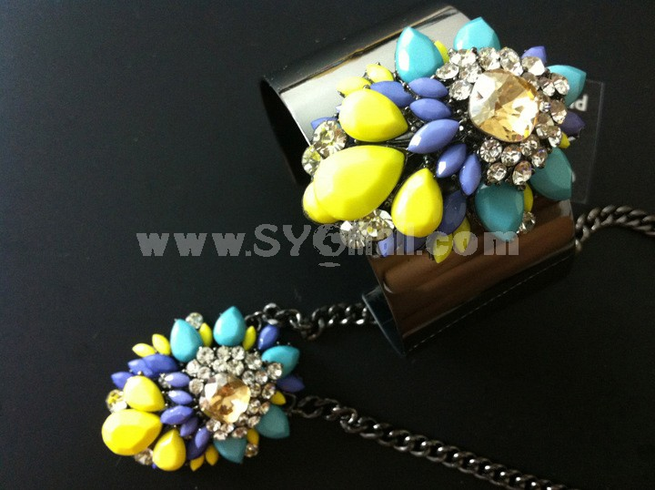 Exaggerate Luxurious Shiny Color Alloy with Resin/Rhinestone Women Jewelry Set (Choker and Bangle)