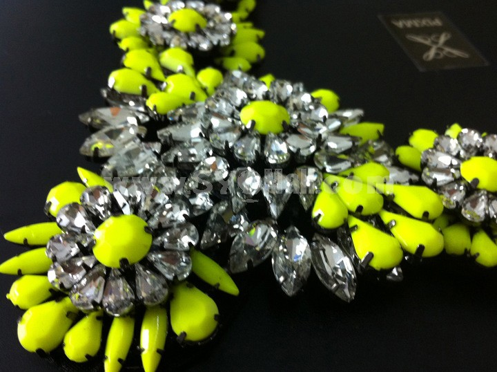 Exaggerate Luxurious Shiny Soild Color Chunky Alloy with Resin/Rhinestone Women Necklace Choker
