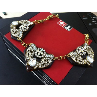 http://www.orientmoon.com/78031-thickbox/exaggerate-luxurious-shiny-color-chunky-alloy-with-resin-rhinestone-women-necklace-choker.jpg