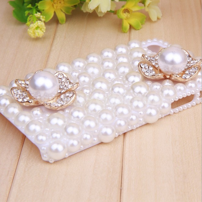 Pearl Four-leaf Clover Pattern Rhinestone Phone Case Back Cover for iPhone4/4S F0003