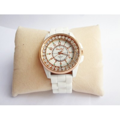 http://www.orientmoon.com/82705-thickbox/retro-style-women-s-ceramic-alloy-quartz-movement-glass-round-fashion-watcht-more-colors.jpg