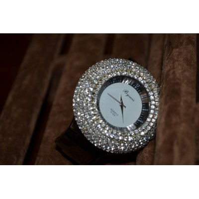 http://www.orientmoon.com/82907-thickbox/retro-style-women-s-rhinestone-alloy-quartz-movement-glass-round-fashion-watcht-more-colors.jpg