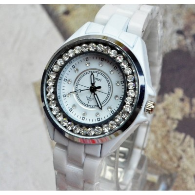 http://www.orientmoon.com/82925-thickbox/retro-style-women-s-ceramic-alloy-quartz-movement-glass-round-fashion-watcht-more-colors.jpg