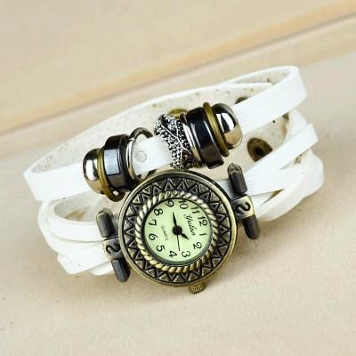 http://www.orientmoon.com/83161-thickbox/retro-style-women-s-hand-knitting-rivet-alloy-quartz-movement-glass-round-fashion-watch-more-colors.jpg