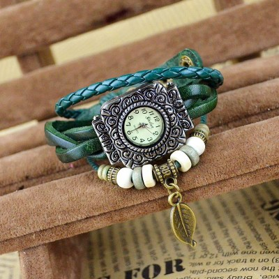 http://www.orientmoon.com/83262-thickbox/retro-style-women-s-hand-knitting-alloy-quartz-movement-glass-round-fashion-watch-with-leaf-pendant-more-colors.jpg