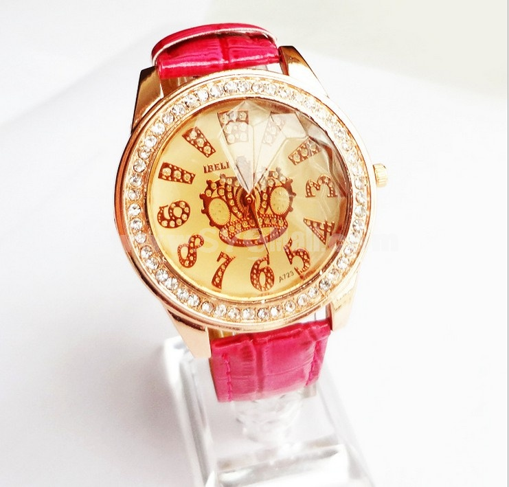 Cute Women's Alloy Rhinestone Quartz Movement Glass Round Fashion Watch