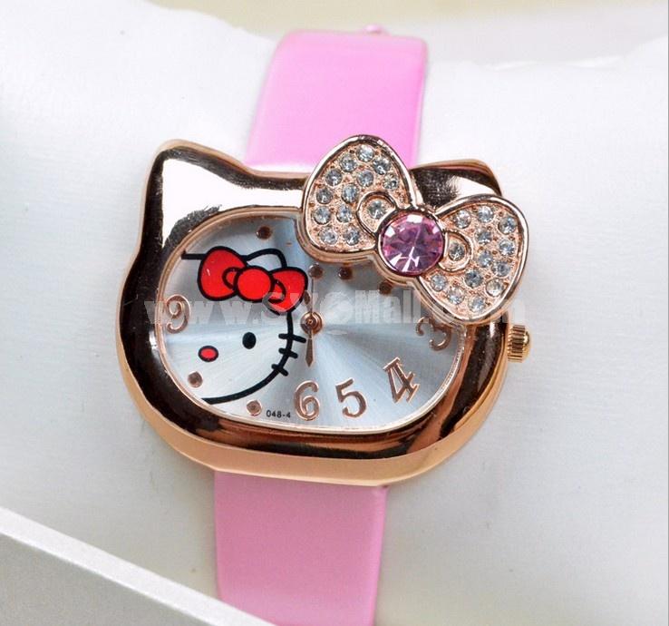 Cute Women's Alloy Quartz Movement Glass Round Fashion Watch with Rhinestone