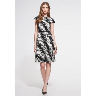 http://www.orientmoon.com/86607-thickbox/new-arrival-black-and-white-printing-full-skirted-dress-evening-dress.jpg