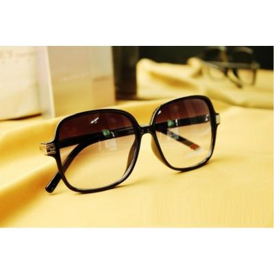 http://www.orientmoon.com/8662-thickbox/vintage-style-stars-uv-sunglass.jpg