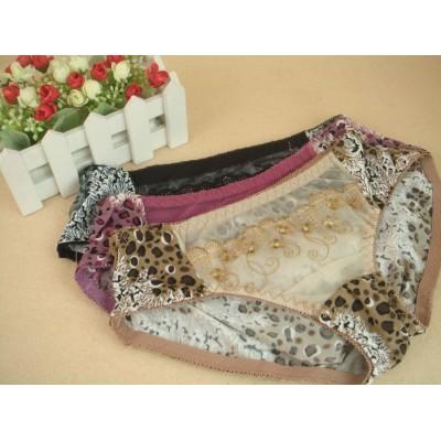 http://www.orientmoon.com/9501-thickbox/lady-middle-waist-bodyfit-solid-color-emboidery-underwear-6826k.jpg