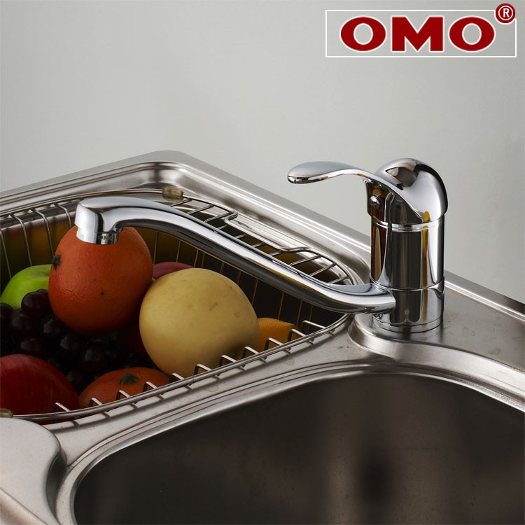 OMO All Brass Single Handle Rotatable Pull Out Kitchen Sink Faucet Cold and Hot Water B-12006