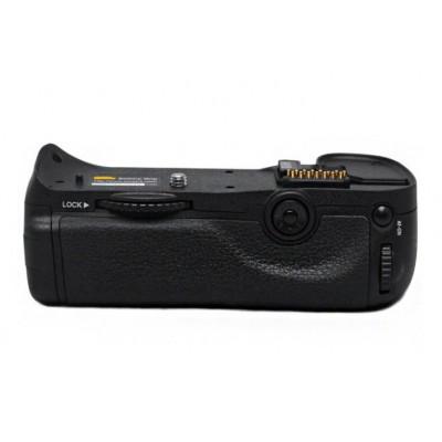 https://www.orientmoon.com/57739-thickbox/pixel-mb-d10-camera-handgrip-for-nikon-d300-d300s-d700.jpg