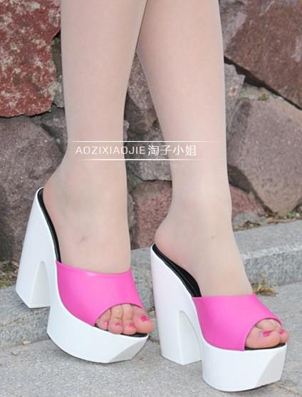 Leatherette Chunky Heel Sandals